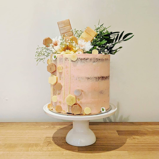 Vegan Geo cake on pink