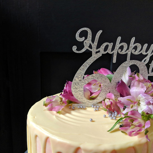 Drip cake on pink