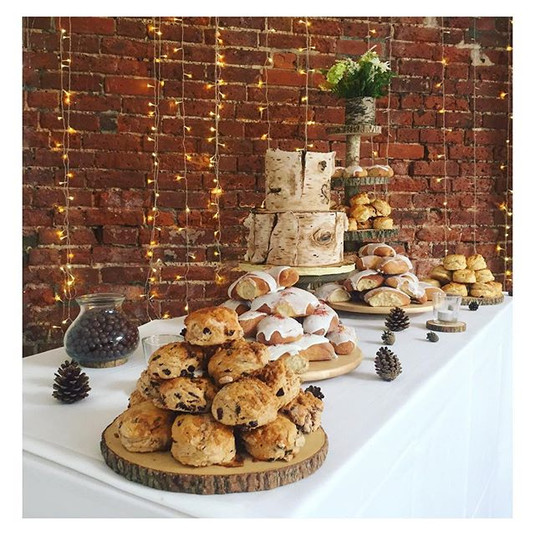 cake table rustic