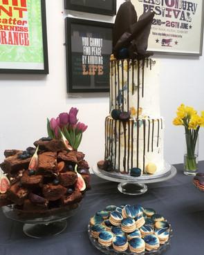 drip art cake