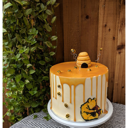 Winnie the pooh illustrated Cake see Ophelias Wedding