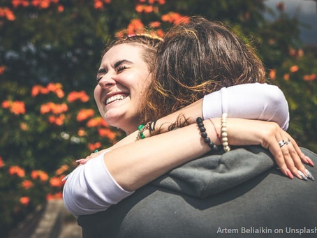 Como driblamos a carência de abraço e afeto na quarentena