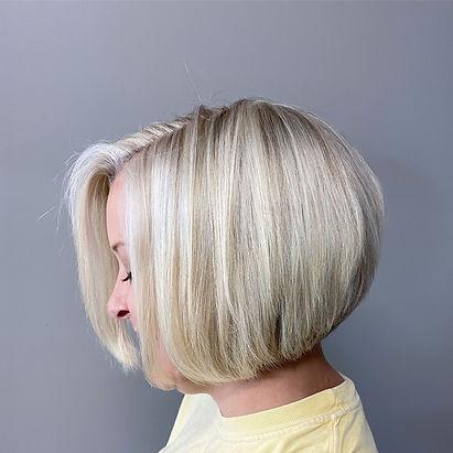 Blonde Hair, Bob haircut