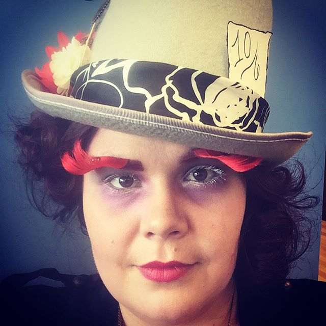 Happy Halloween!!! Final look is the #madhatter #halloweenmakeup #hubbahair #halloween #magsalon #be