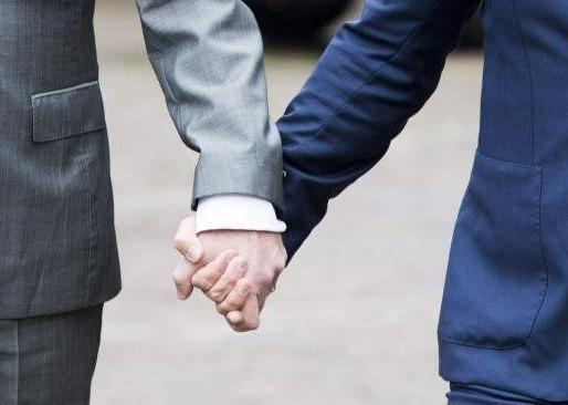 TRF1 - Garantida a concessão de pensão por morte a companheiro de relação homoafetiva