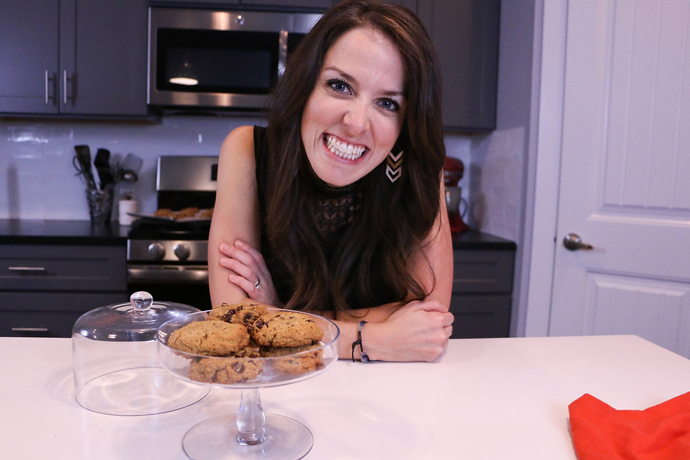 food blogger london brazil in her kitchen showing healthy cookies
