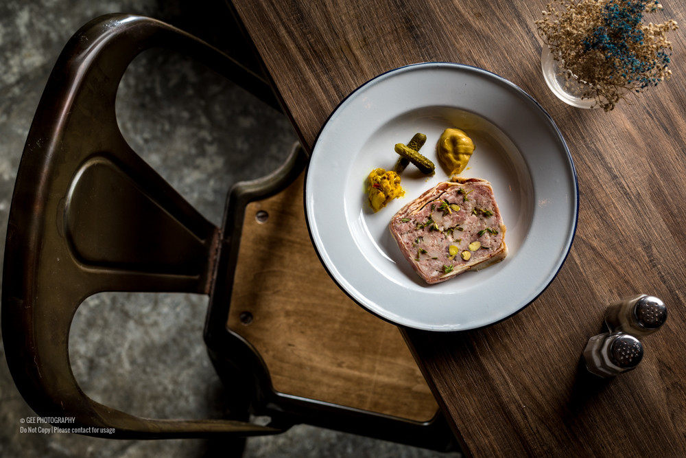 Food photo with ambient food photography by Gee Photography