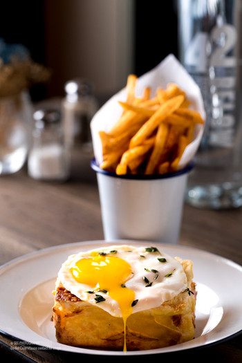 Egg and toast food photography by Gee Photography