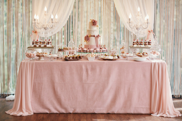candy-bar-wedding-cake-table-with-sweets