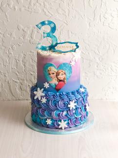 Frozen 2 buttercream swirl cake