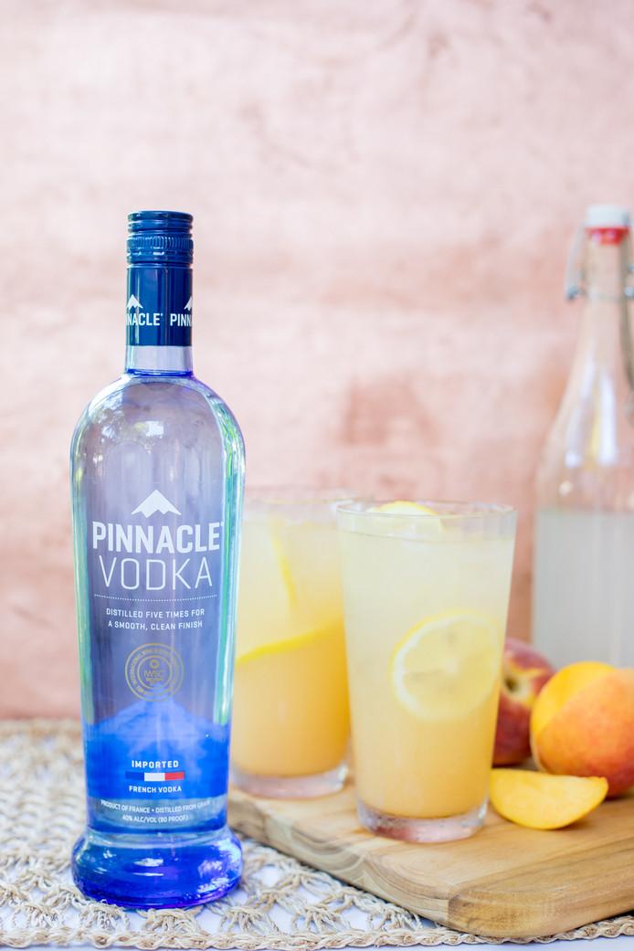 Sparkling Atlanta Peach Lemonade
