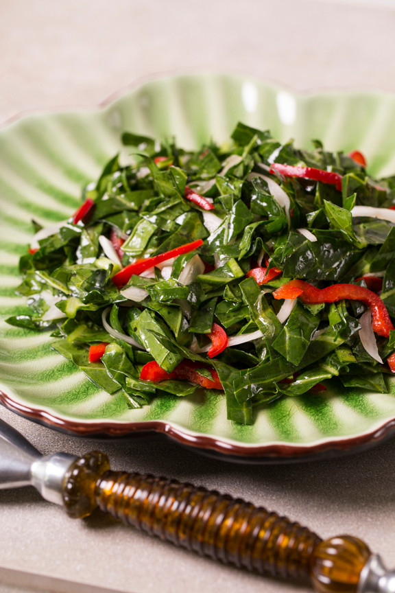 Switch Up Your Thanksgiving Menu w/ a Fresh Collard Greens Salad!