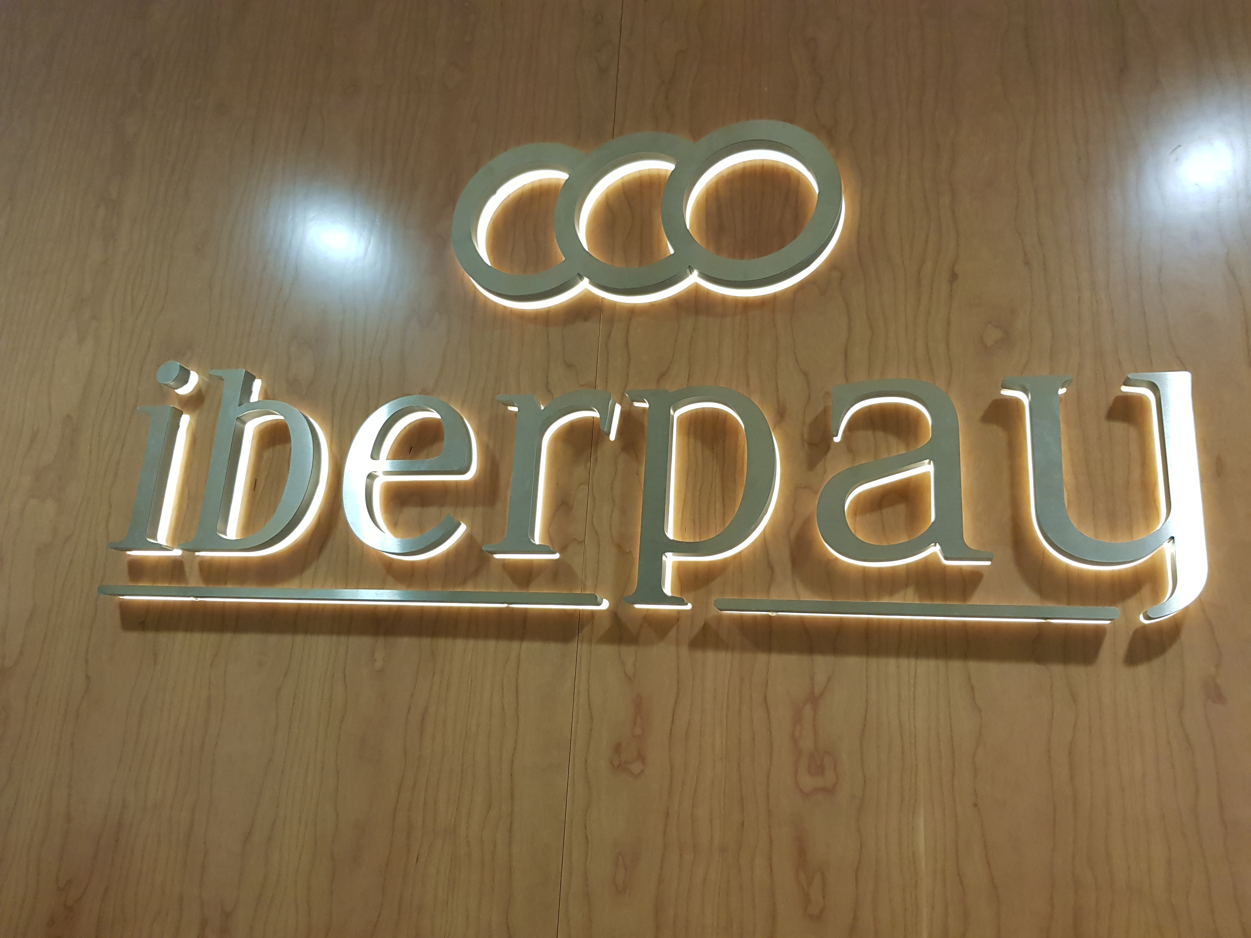 Diseño-Interiores-Iberpay-Di&P