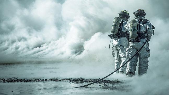 Firefighters-Using-Halon-foam