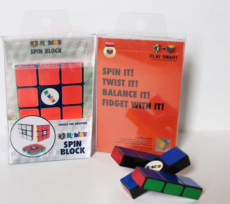 Rubik's Spin Block TOYZON | Rubiks Specials 2018