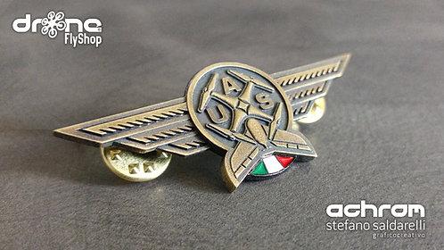 Spilla Pilota droni - UAS Pilot - ottone invecchiato - bandiera italiana