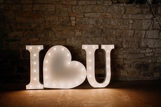 90cm svítící písmena a symbol srdce