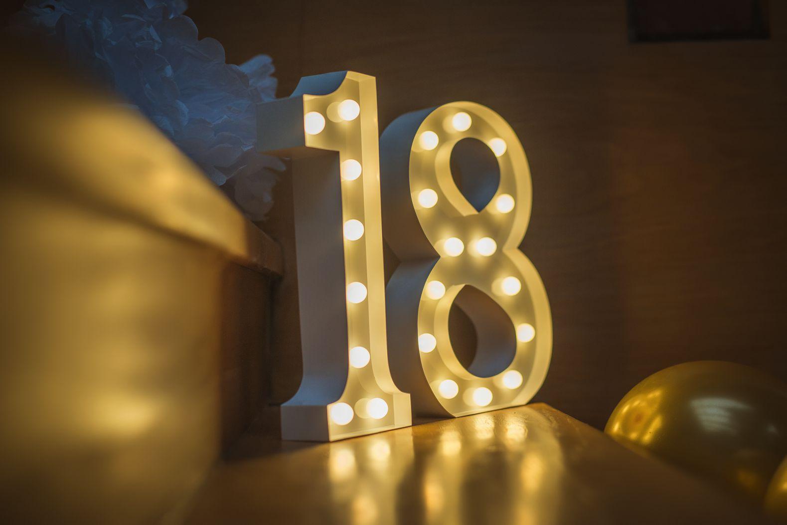 30cm číslice 18