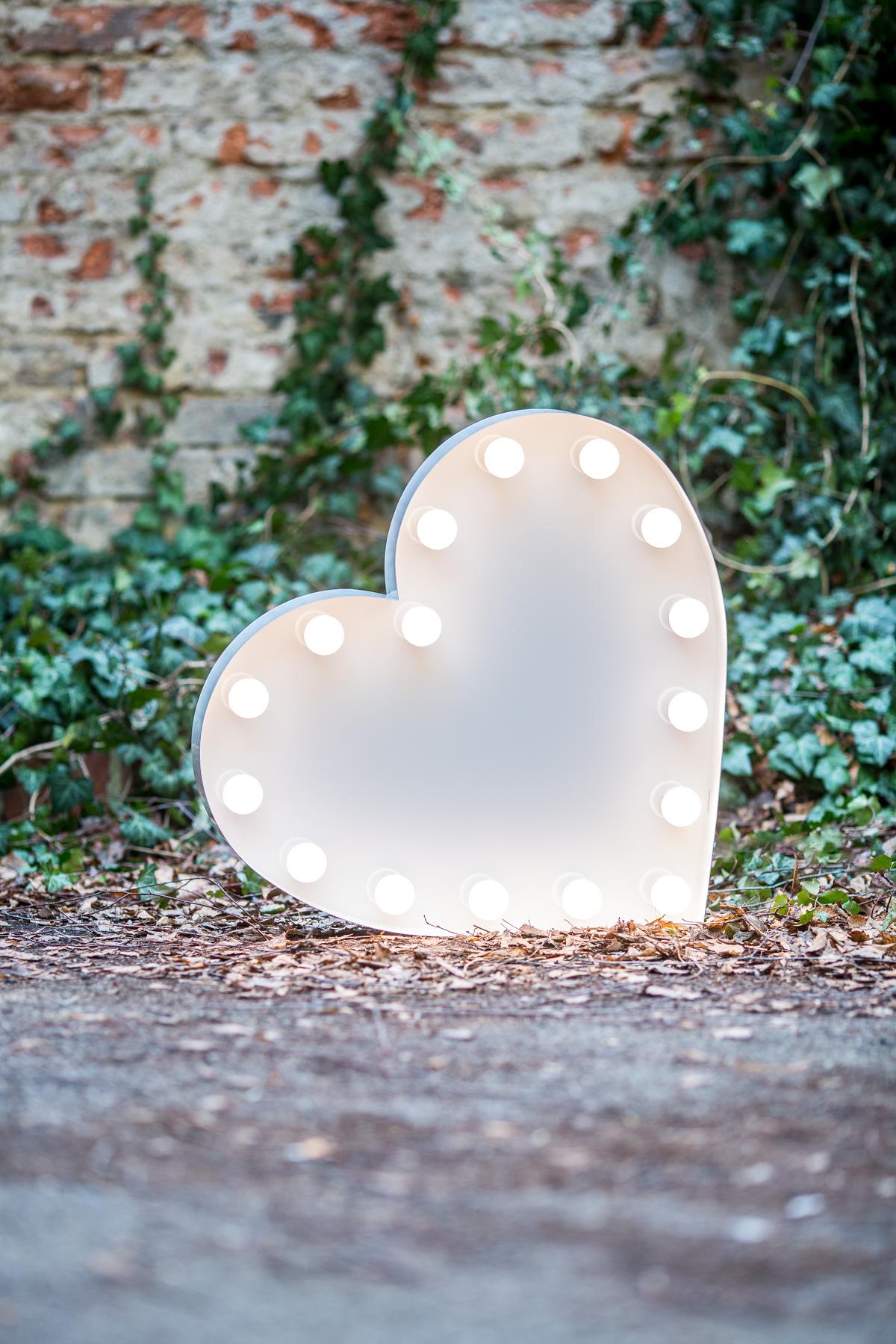 60cm symbol srdce na elektřinu