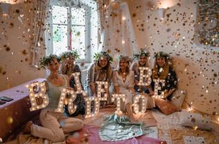 30cm svítící písmena BRIDE TO BE