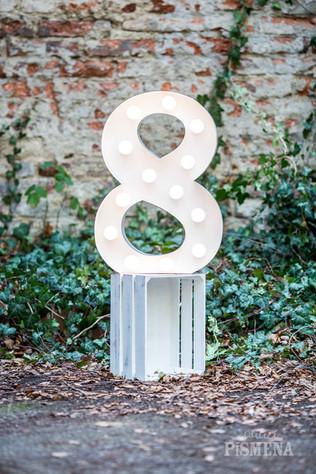 60cm svítící číslice 8