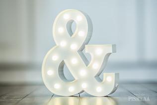 30 cm kovový svítící symbol &