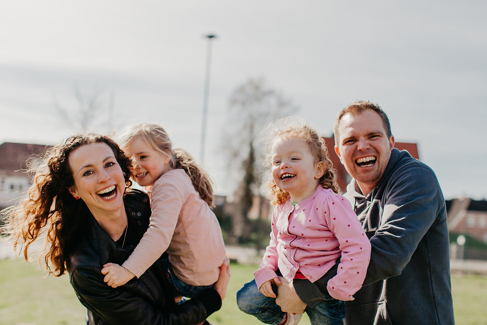 family of four portrait session in a park in Hamburg, Germany by Ann Ilagan Photography