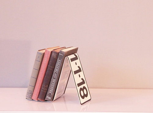 Plate Bookend