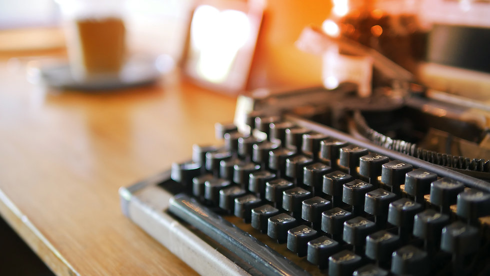 Vintage old keyboard of a typewriter Ant