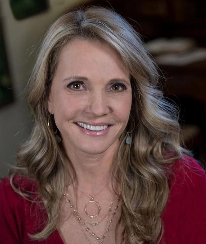 Patti Callahan Becoming Mrs. Lewis