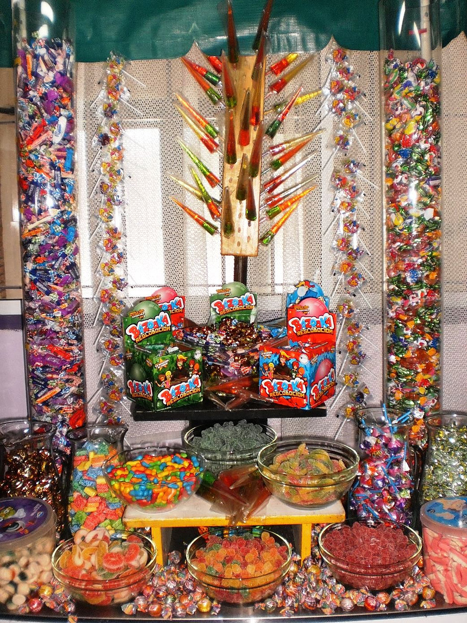 Decoracion stand kermesse - Adornos con golosinas ...