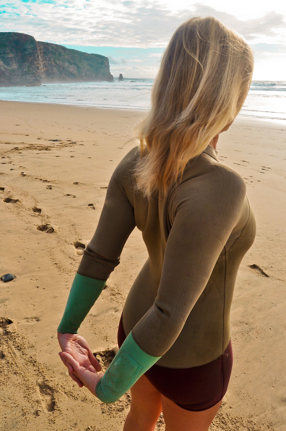 5 YOGA POSES BEFORE YOU SURF
