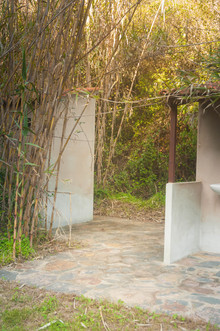 nature retreat shower cabins