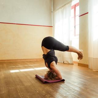 Online yoga classes with Shaini
