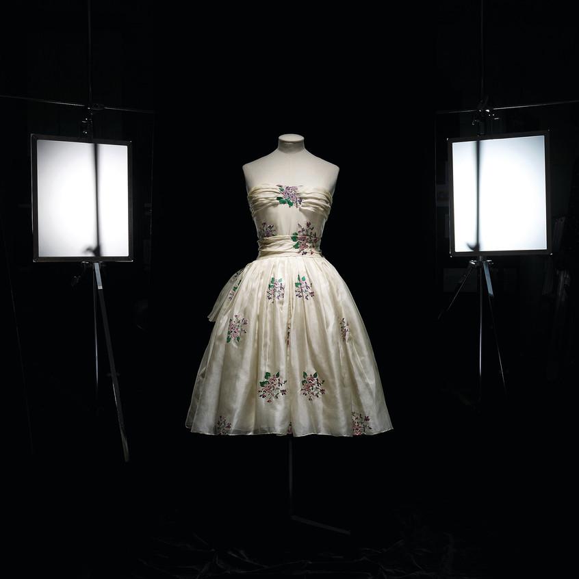 Christian_Dior_(1905–57),_Avril,_Dress,_