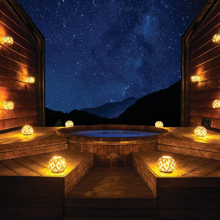 onsen nighttime