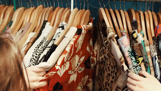 L.A.'s It-Girls Are Thrift Stores' Gold Mines