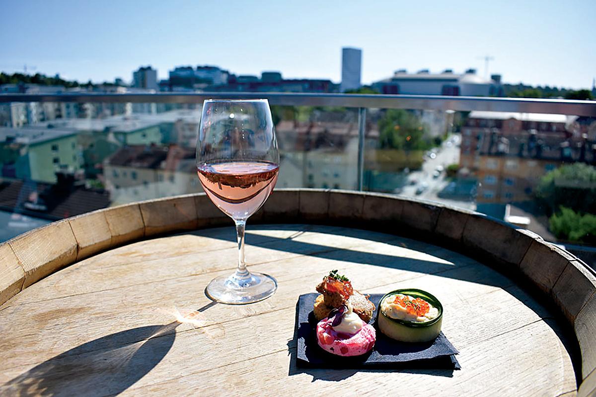 Winery_terrace_1