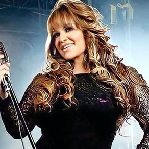 """Jenni Rivera recibe """"Disco de platino"""" y de """"oro"""", a 8 años de su muerte"""