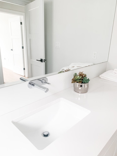 TorontoBestMaidsbathroom.jpg