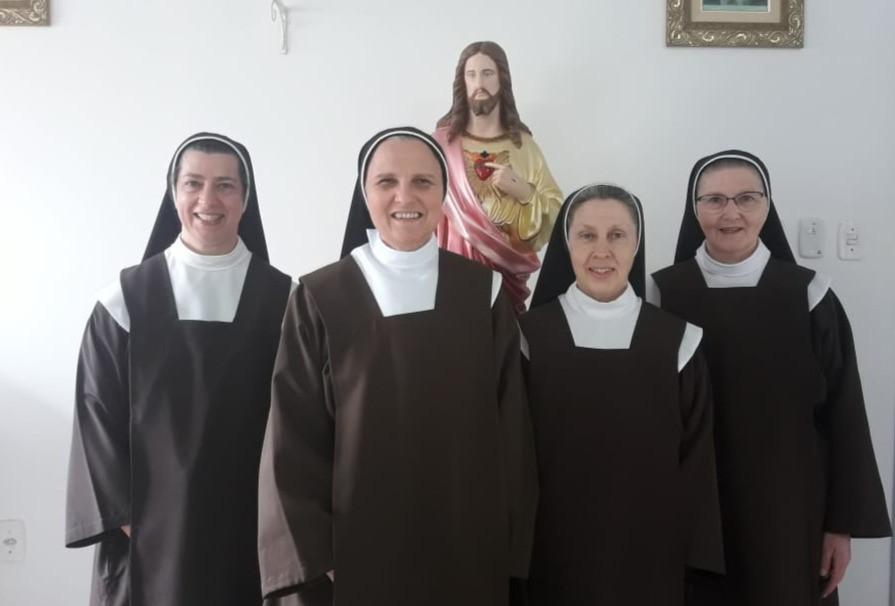 Da esquerda para a direita: Ir. Elisabete, Madre Paula, Ir. Maria do Carmo e Ir. Maria da Imaculada