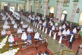 Dom Liro celebra Crismas em Santo Cristo