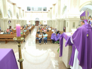 Dom Liro realiza lançamento da Campanha da Fraternidade em Missa na Catedral