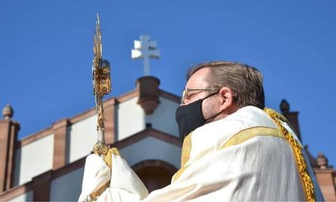 Corpus Christi é marcado pela solidariedade