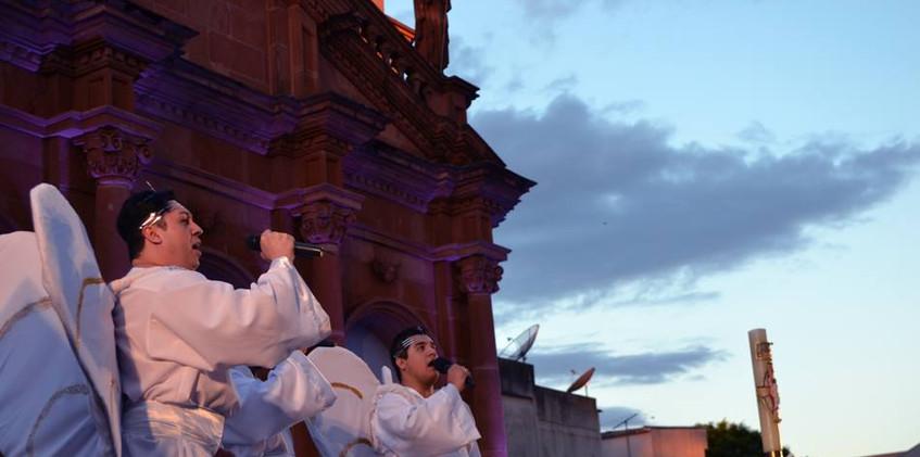 Celebração de Natal em frente a Catedral