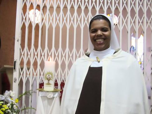Jovem do Carmelo de Giruá recebe hábito religioso