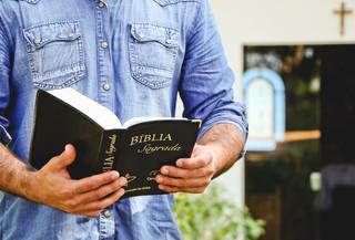 CONVITE AOS MINISTROS DA DIOCESE DE SANTO ÂNGELO PARA FORMAÇÃO DE AGENTES BÍBLICOS