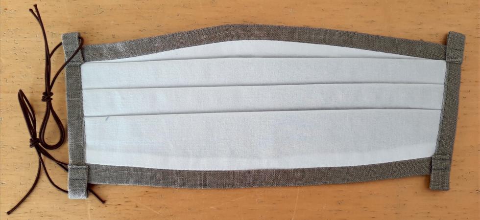 Rückseite der Maske Gummizug II
