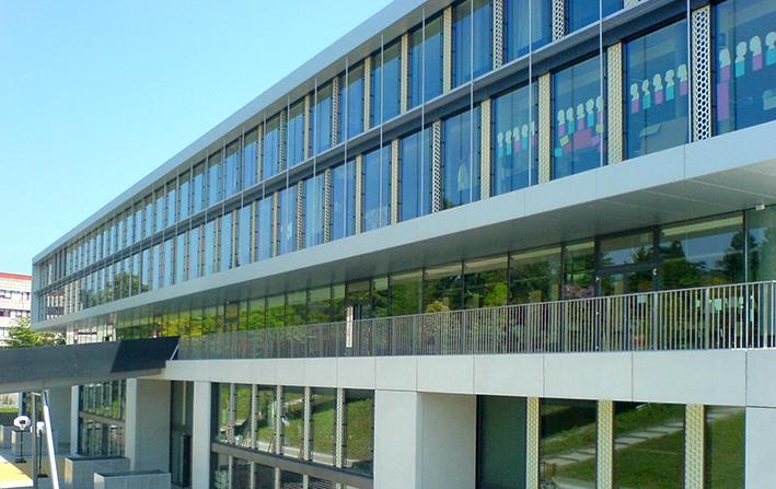 Confort d'été dans les bâtiments scolaires Ecole Internationale de Genève, arch. CCHE