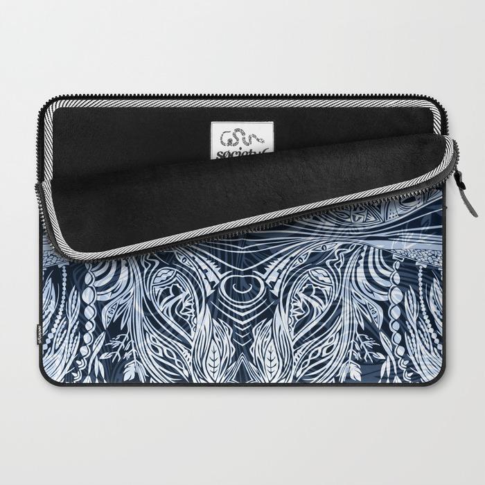 Lioness Macbook Sleeve